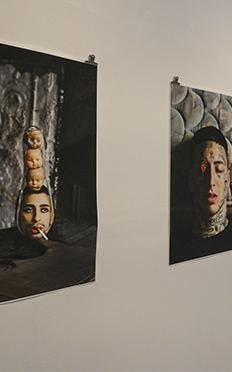 """Fotografía de la exhibición """"Venus Perversa"""" de Kenny Lemes"""